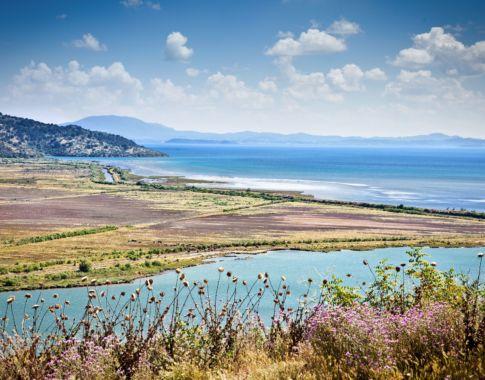 Albanien-Korfu_Butrint-See_© ShutterstockAleksandar Todorovic