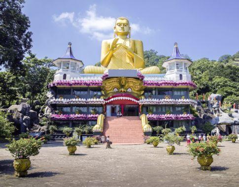 Sri_Lanka_Dambulla_Goldener Buddha© Fotolia_sytilin