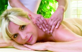 Massage (c) Cup Vitalis