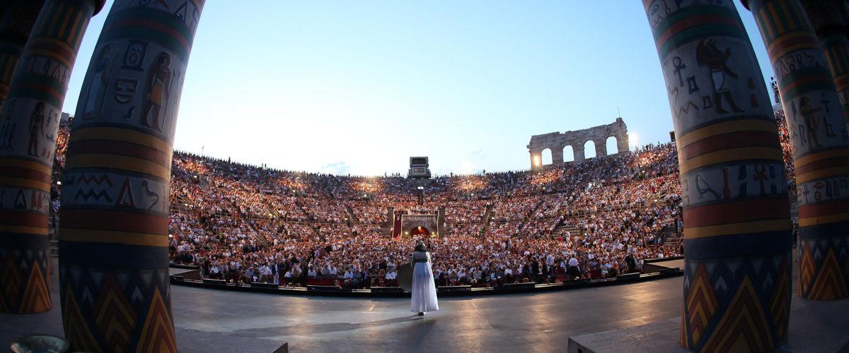 1 2012 Aida pubblico Arena 28 07 (c ) Courtesy of Fondazione Arena di Verona foto Ennevi