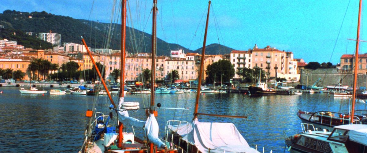 Korsika Hafen (c) Poppe Reisen