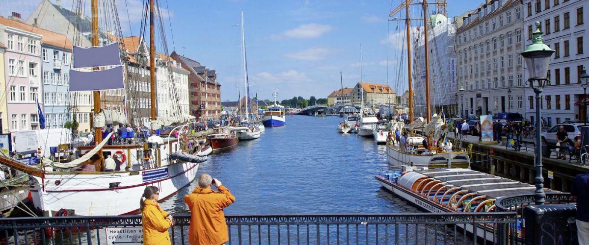 Kopenhagen Nyhavn_2_c_Fotolia_Lsantilli