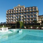 Lago Grand Hotel Bristol Frontansicht mit Pool©AKE_Archiv