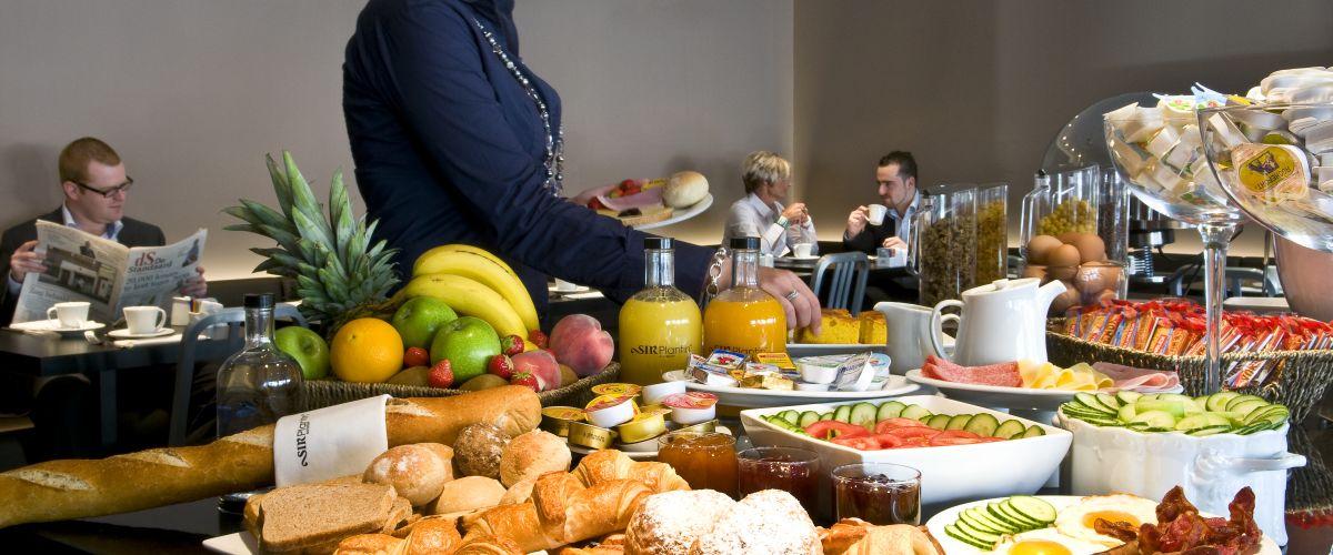 ANT01-breakfast1 (C)Grand City Hotels