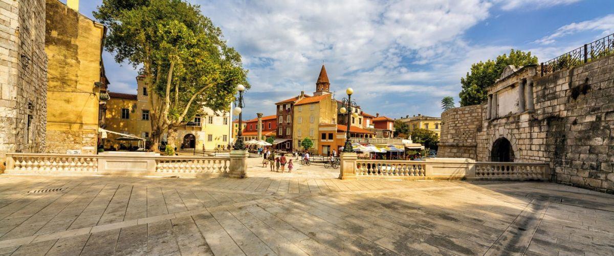 Croazia Zara Piazza dei Pozzi (c) reisewelt Teiser + Hüter