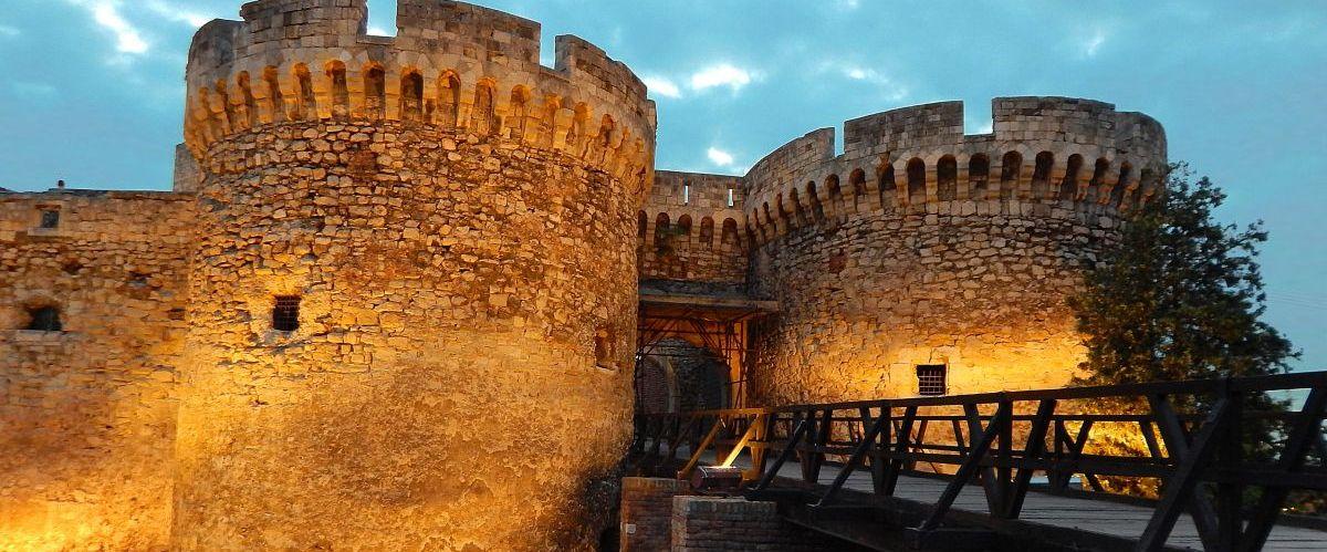 Balkan Belgrad Festung Nacht (c) Pixabay