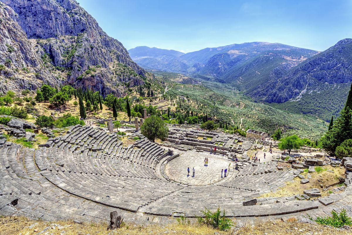 Delphi, Antikes Theater © Studiosus Reisen_Fotolia_anastasios71