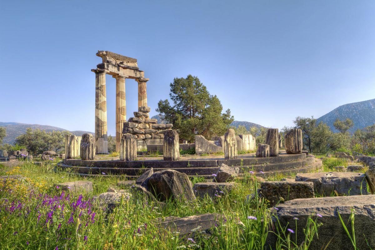 Delphi, Heiligtum Athena Pronaia©Studiosus Reisen_Fotolia anastasios71