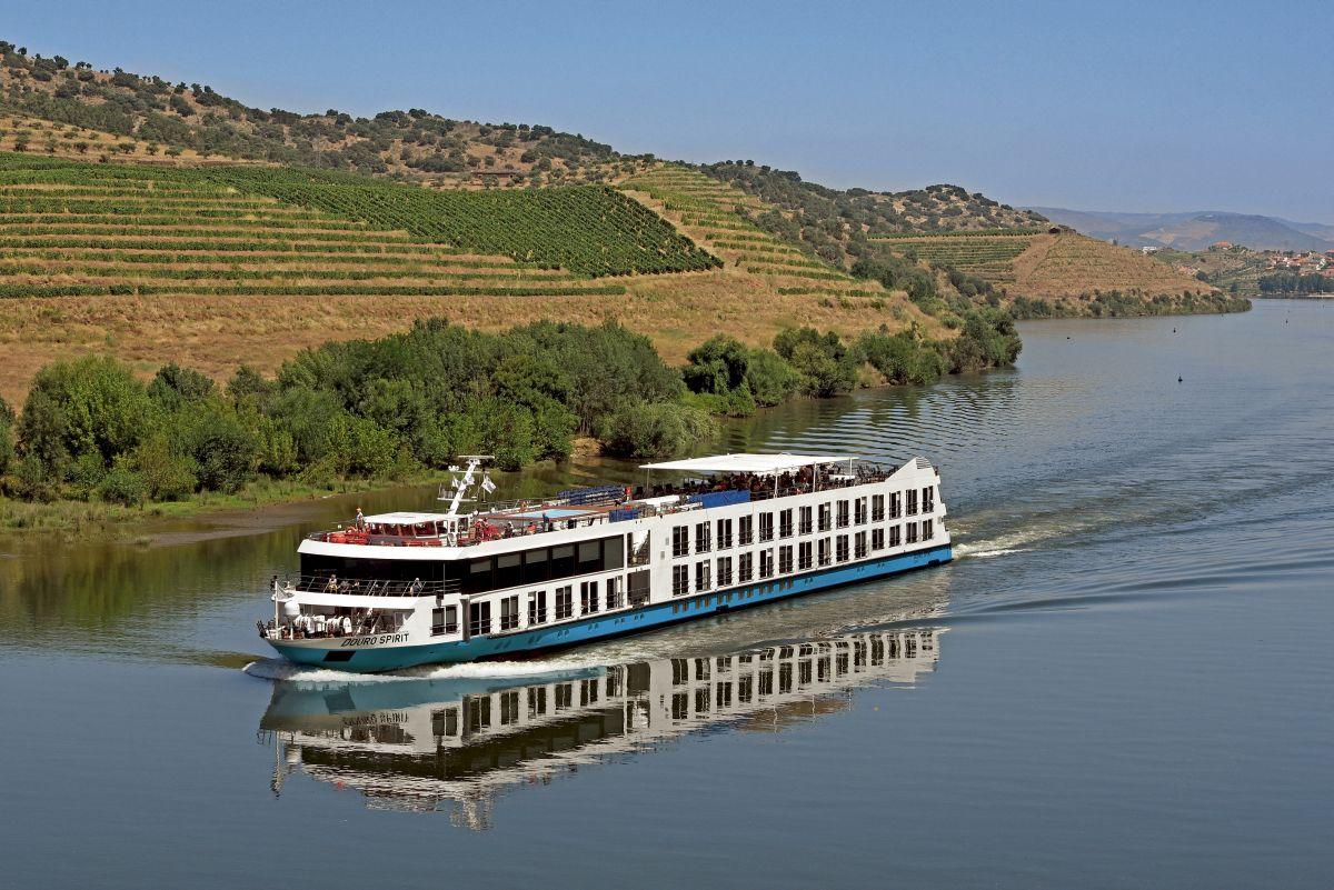 Fluss MS_Douro_Spirit Weinberg (c) Douro_Azul