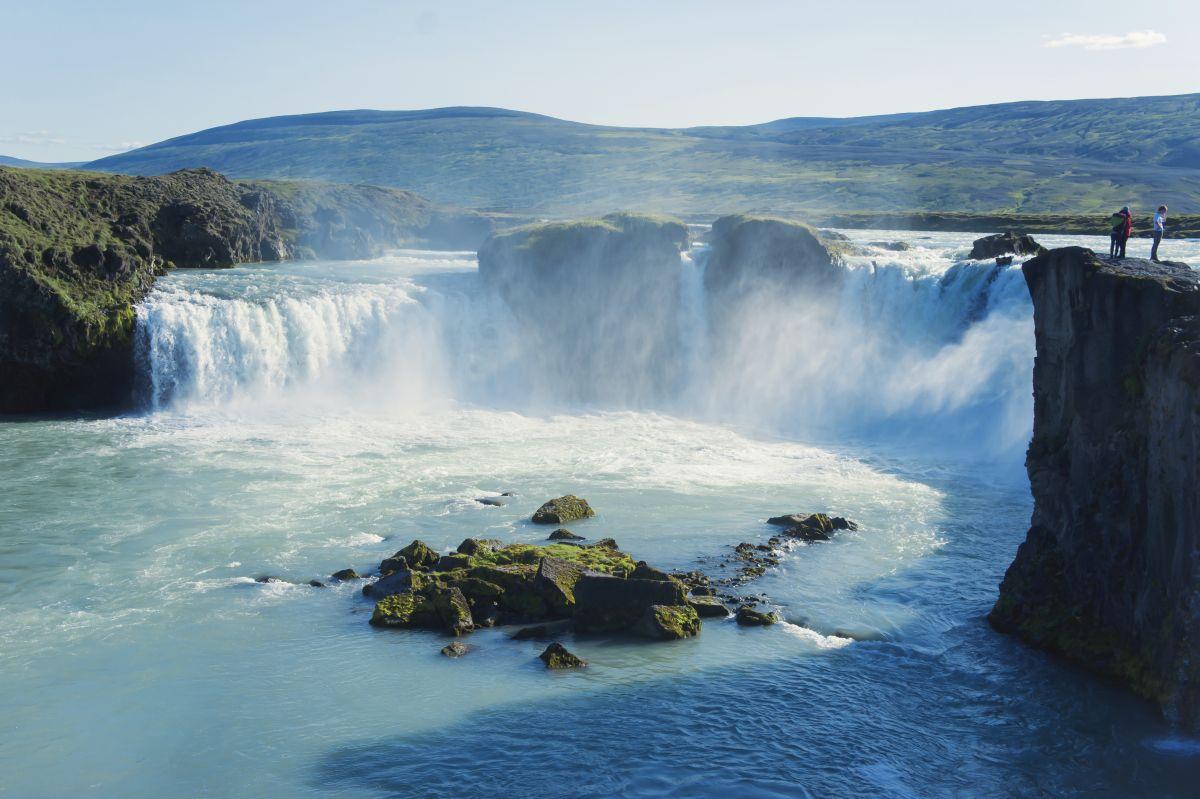 Godafoss, Wasserfall© Marco Polo Reisen_Shutterstock_Tsuguliev