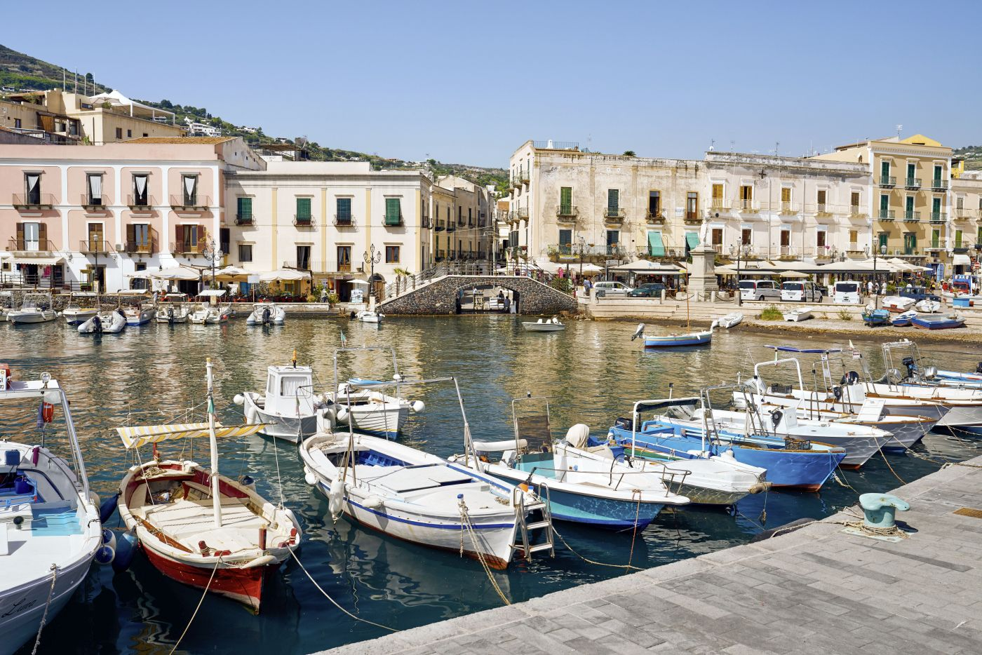 Lipari Hafen © Marco Polo Reisen_Fotolia GiulioDiGregorio