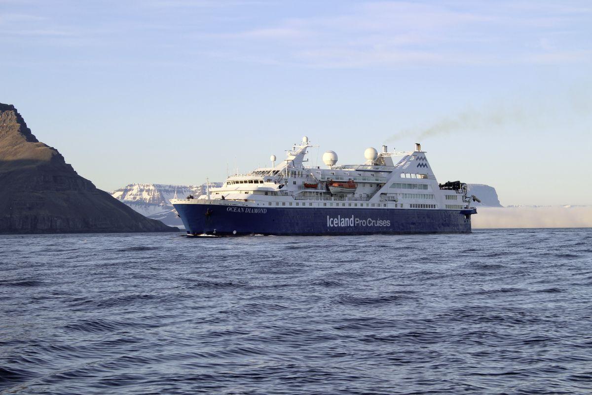 Ocean Diamond Westfjorde© Marco Polo Reisen_Iceland ProCruises