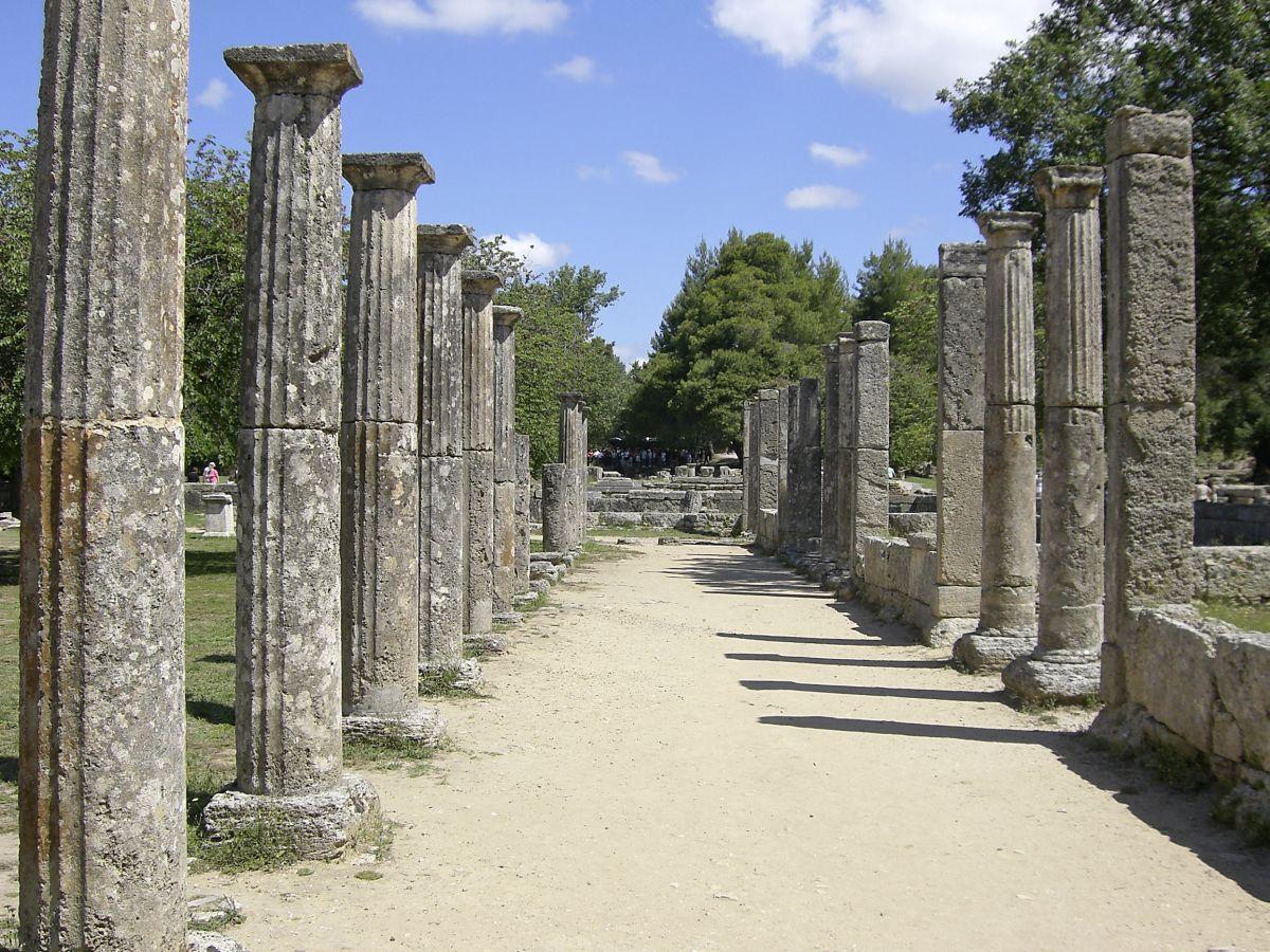 Olympia, Säulenallee © Studiosus Reisen_GNTO