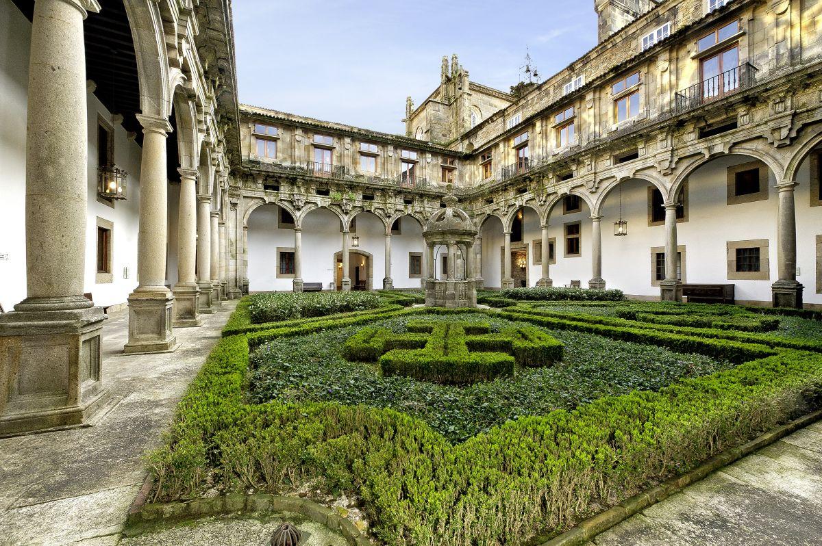 Parador de Santiago 37 claustro san lucas (c) Marco Polo Reisen