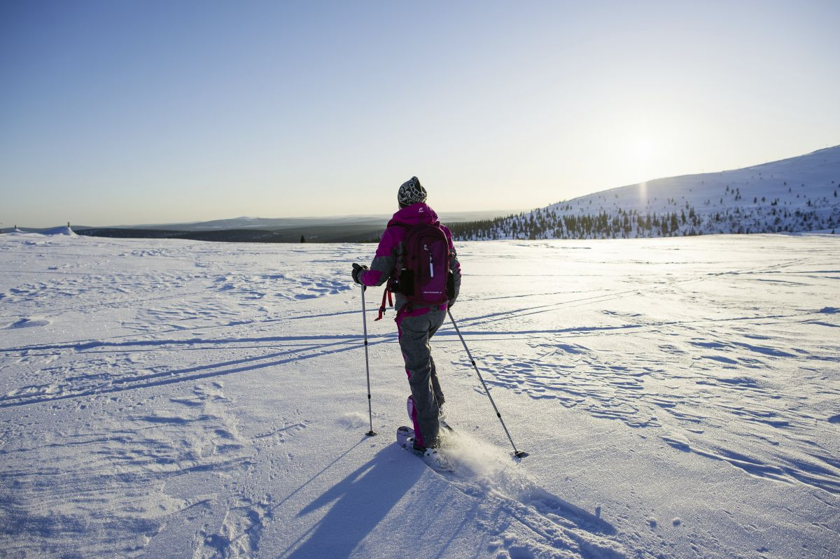 Schneeschuh-Wandern © Marco Polo Reisen_VisitFinland_Juho Kuva