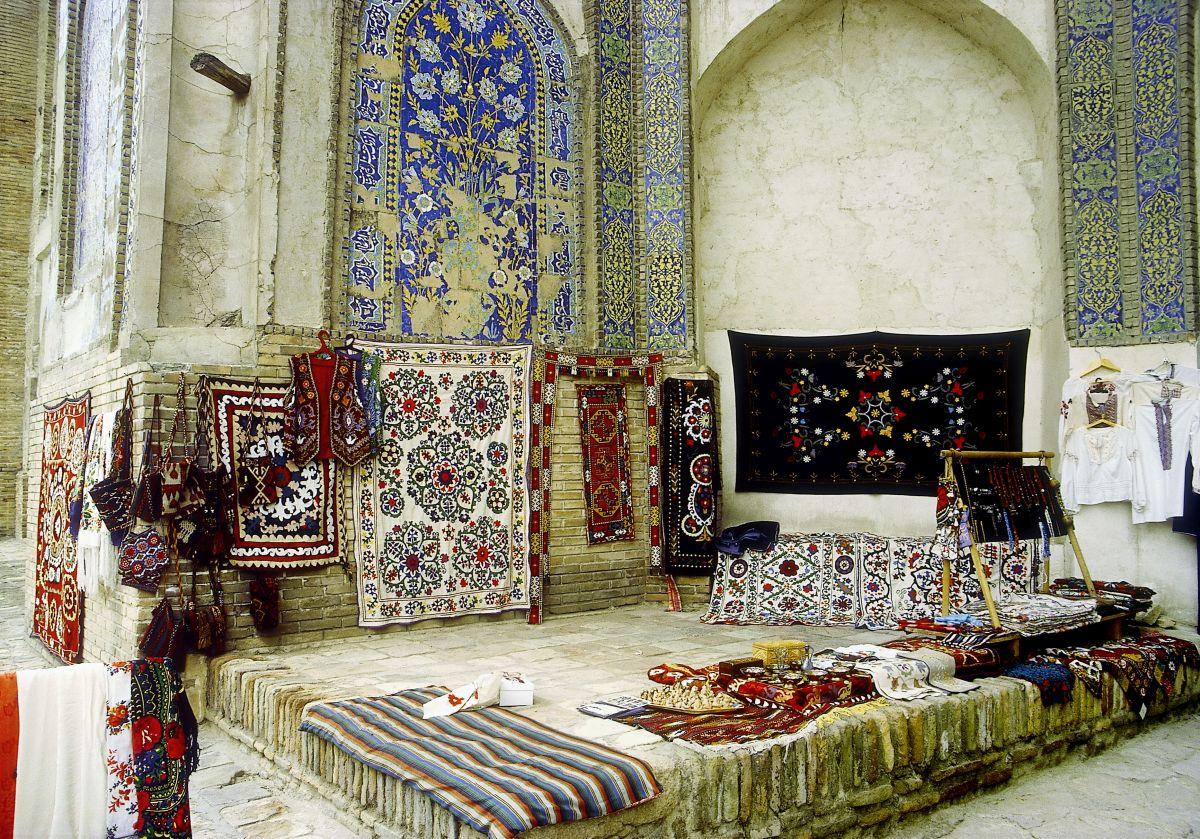 Usbekistan Buchara Teppiche (c) Marco Polo Reisen