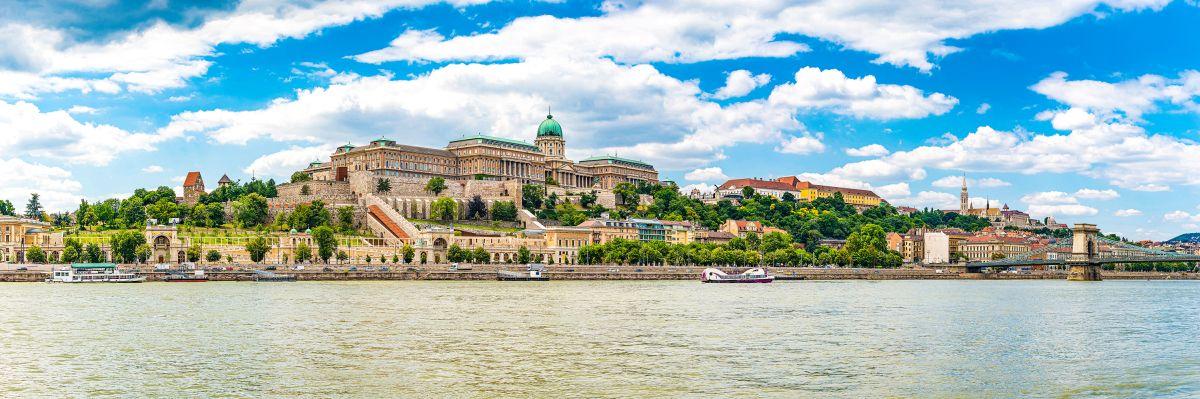 Budapest-city-skyline-panorama_bearbeitet-©Noppasinw