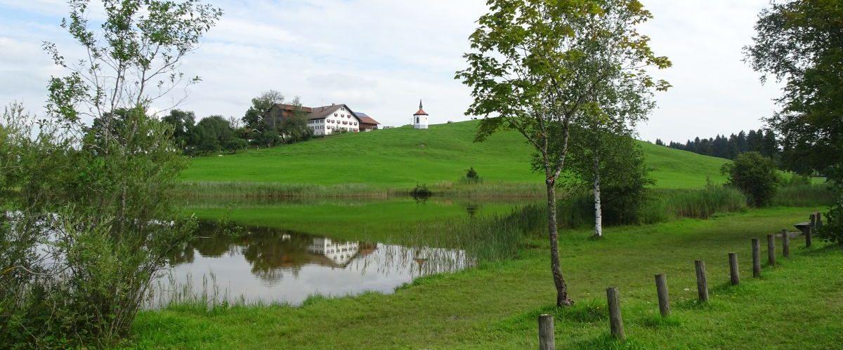Koenig-Ludwig-Weg-Bauernhaus-See © eurohike