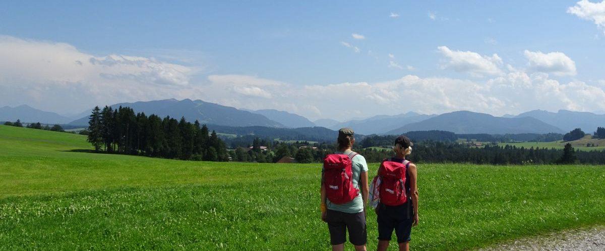 Koenig-Ludwig-Weg-Panoramablick-Wanderer © eurohike