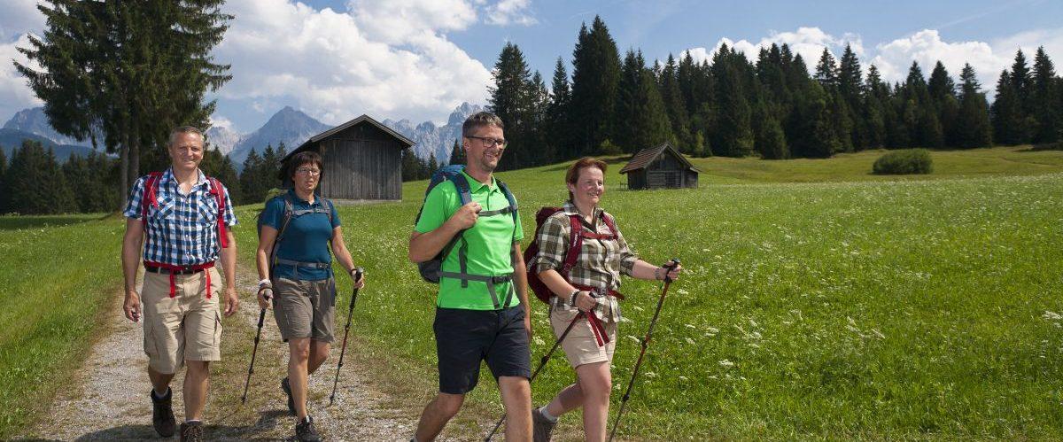 eurohike-garmisch-meran-bayern-berge-wanderer-1 © eurohike