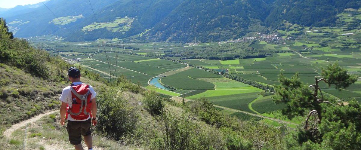 eurohike-garmisch-meran-vinschgau_panoramablick_wanderer-2 © eurohike