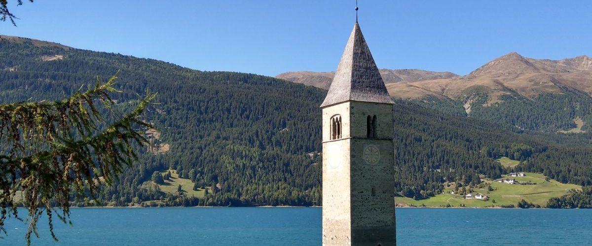 eurohike-wanderurlaub-garmisch-meran-reschensee-kirchturm © eurohike