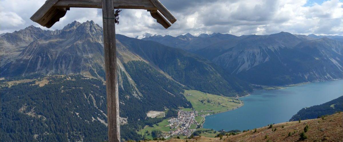 eurohike-wanderurlaub-garmisch-meran-reschensee-kreuz-wanderrucksack © eurohike