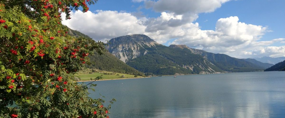 eurohike-wanderurlaub-garmisch-meran-reschensee-ufer (2) © eurohike
