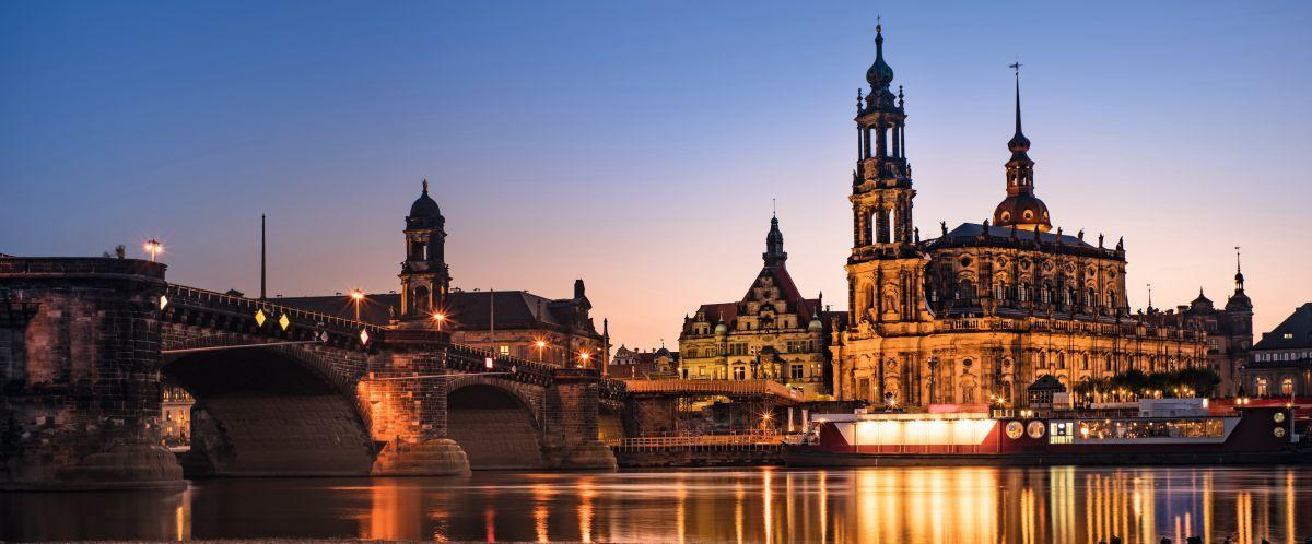 Dresden Abend (c) Sakonboon Sansri Shutterstock