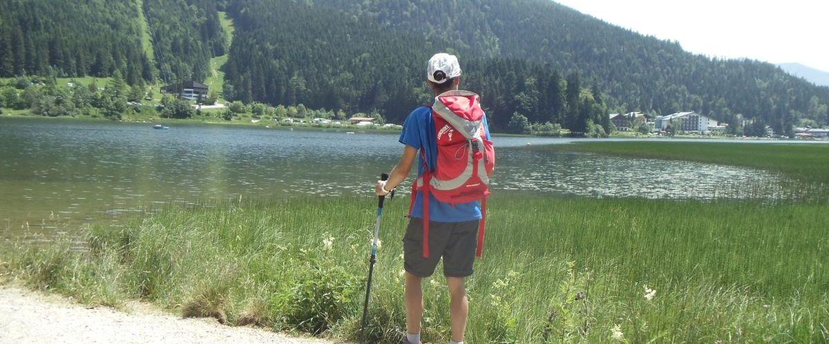 Bayerische Alpen_See_Wanderer_2(c)eurohike