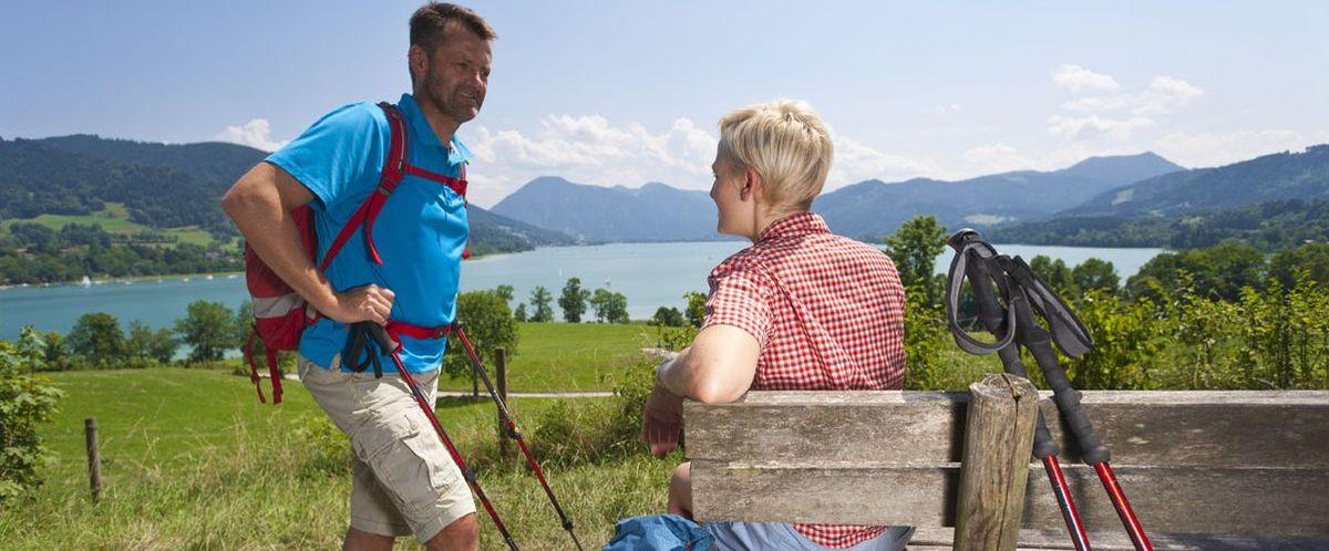 Bayerische Alpen_Tegernsee_Wanderer_2_durch groesseres austauschen(c)eurohike