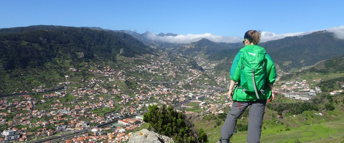 Madeira-Machico-Ausblick-Wanderer(c)eurohike