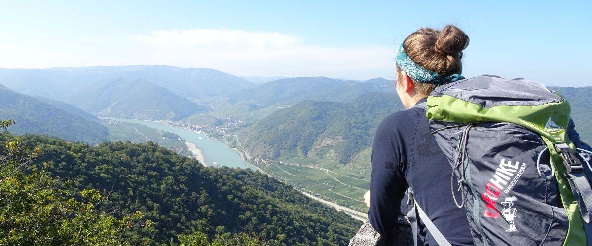Wachau-Ausblick-Wanderer-1 (c) eurohike