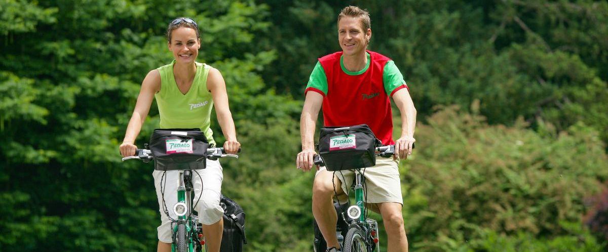 eurobike-radreise-loire-atlantik-(c)-pedalo-weissenbrunner-radfahrer-wald-