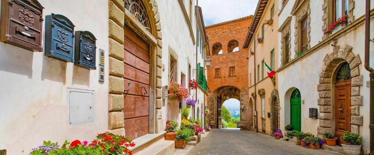 eurobike-radreise-toskana-montecarlo-stadttor(c)eurobike