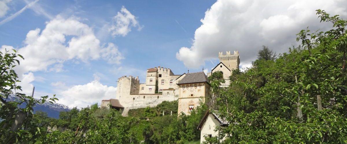 eurohike-wanderreisen-suedtirol-vinschgau-burg(c)eurohike