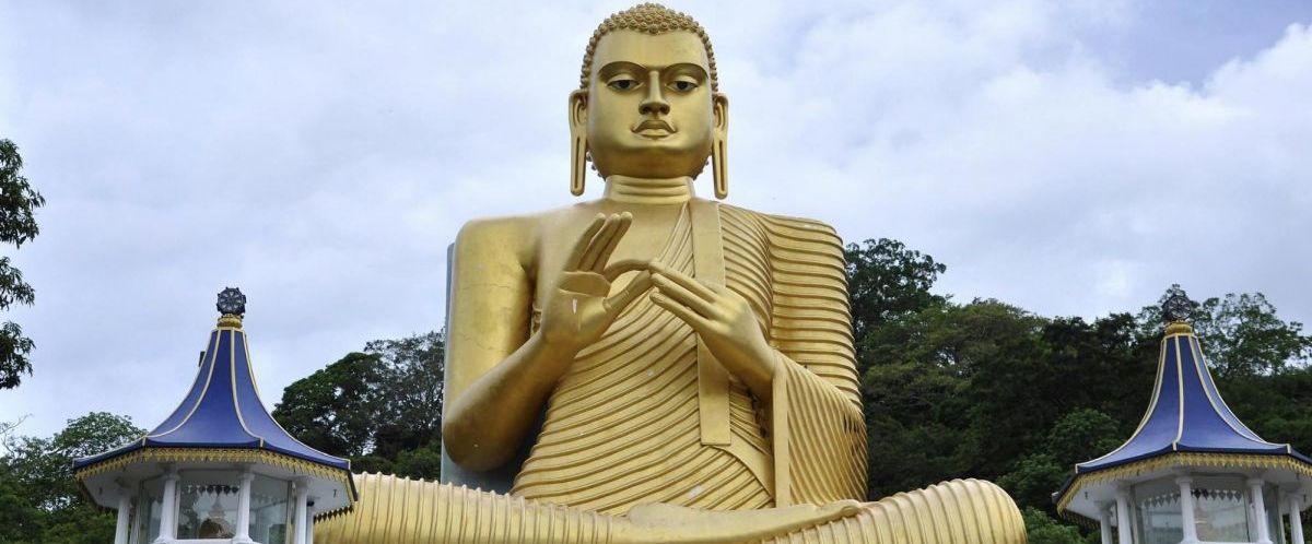 Sri Lanka_Darmachakra-Buddha_Dambulla(c)poppe-reisen