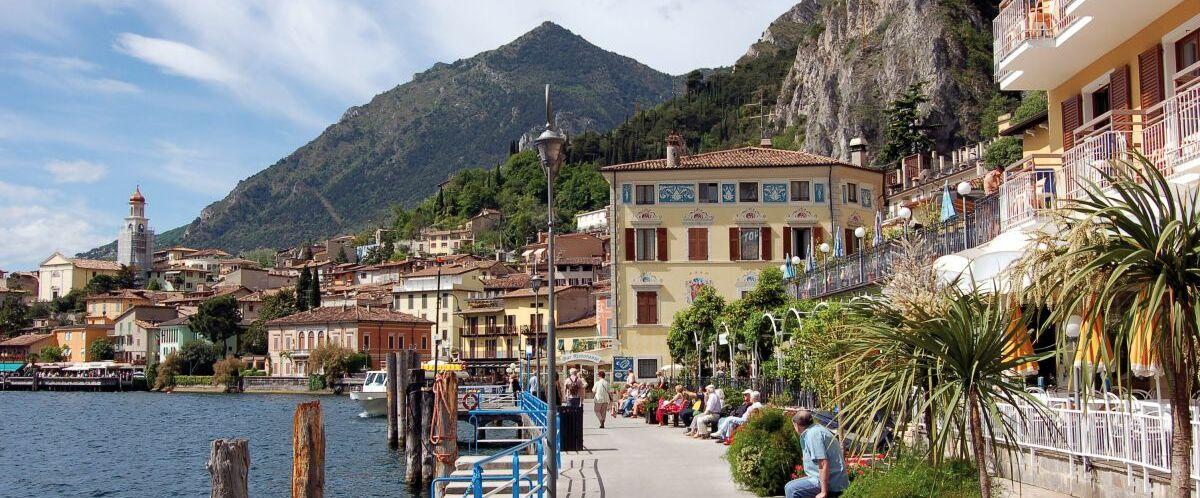 Uferpromenade in Limone am Gardasee(c)AKE-Eisenbahntouristik