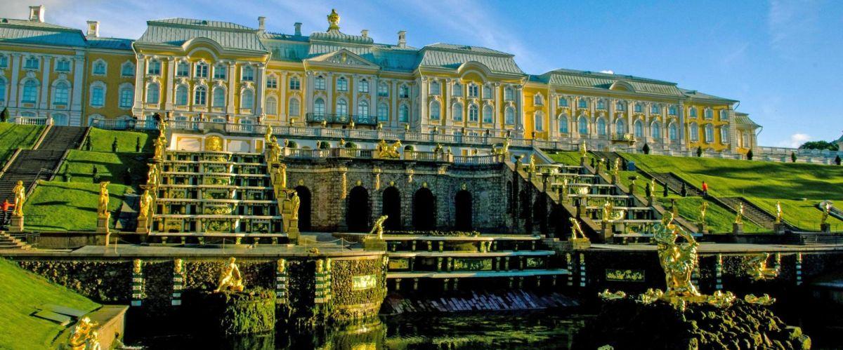 Wolga_Peterhof(c)poppe-reisen