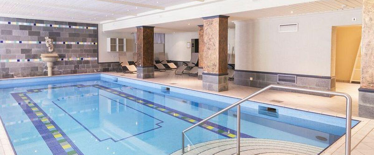Pool (c) Mondial