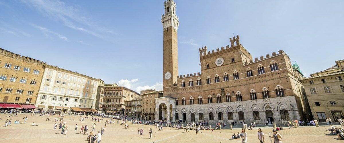 Siena_Piazza del Campo (c) Fotolia_Simone.jpg