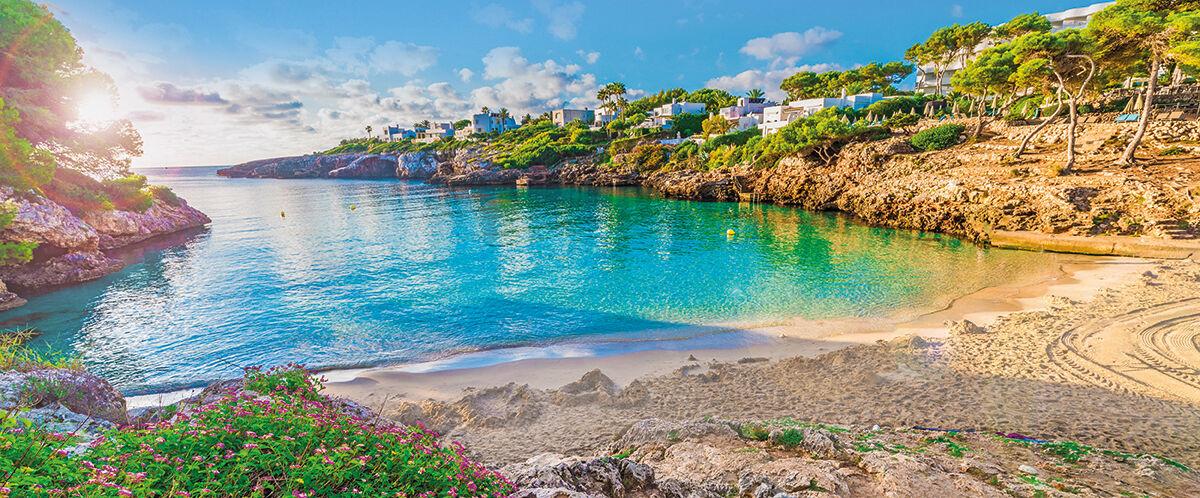 Little beach Cala Esmeralda, Cala d'Or city, Palma Mallorca, Spa