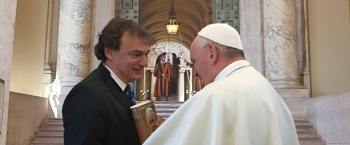 Englisch_Papst-Franziskus_02_-ae-_freigestellt_heller_klein