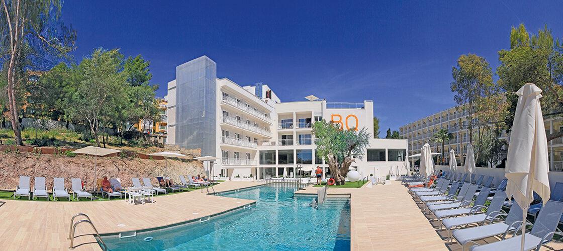 RP hotel aussen pool_PMI133-347