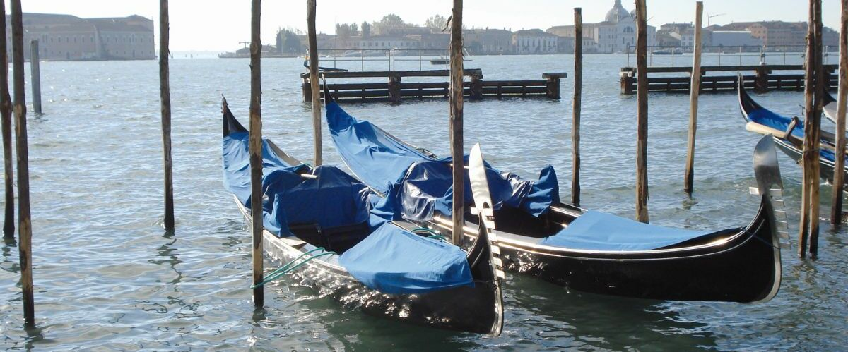 Venedig_Gondeln_-claudia-anderl-