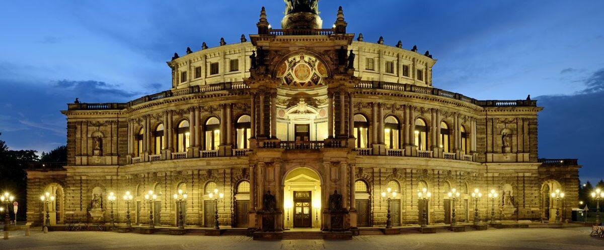 Dresden-Semperoper-c-Dresden-Marketing_Frank-Exss