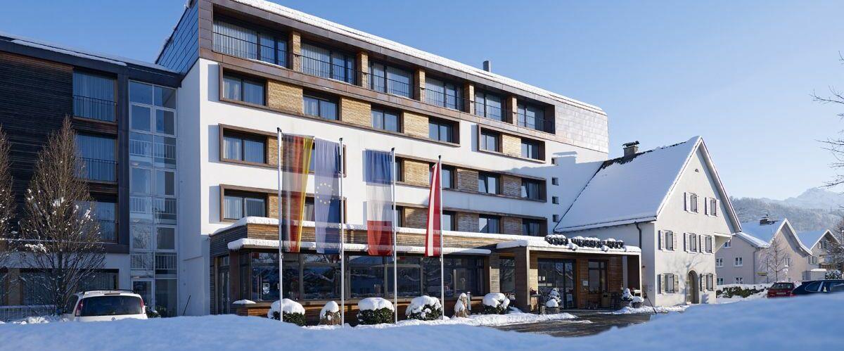 Hotel im Winter (c) Hotel Weisses Kreuz