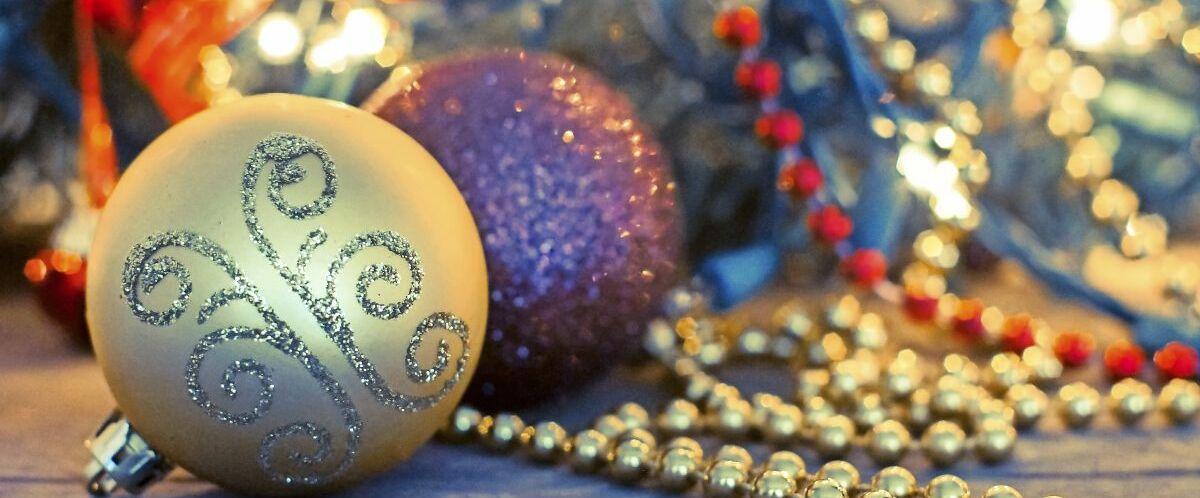 Weihnachtskugeln-©-www.fotolia.com